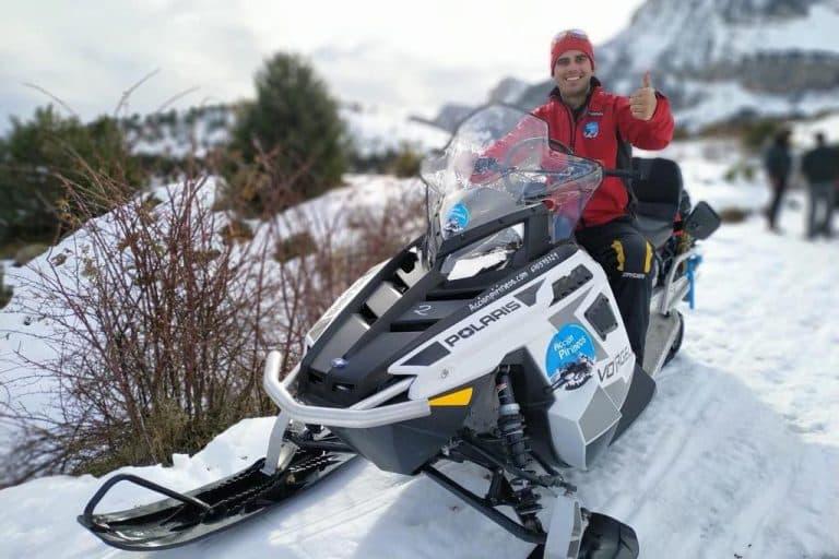 motos-de-nieve-accion-pirineos-moto-de-nieve-polaris