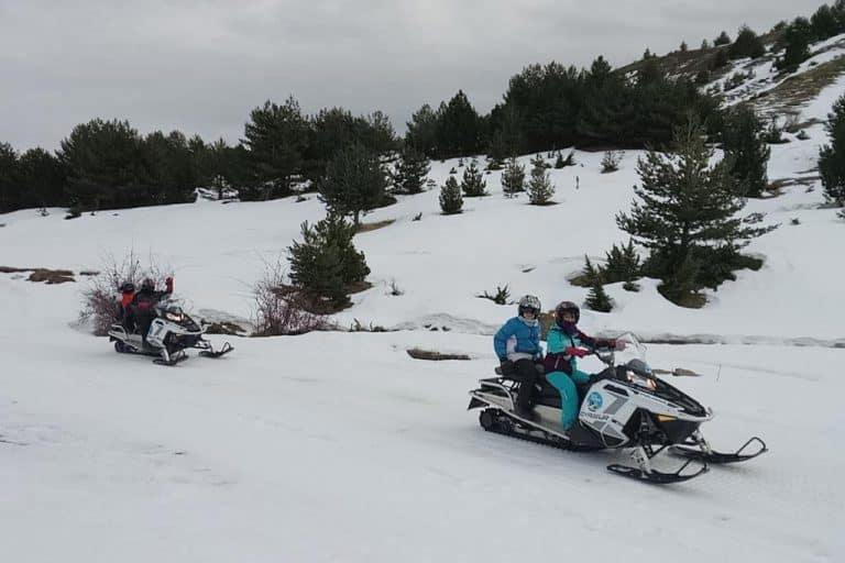 motos-de-nieve-accion-pirineos-motos-en-la-nieve